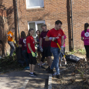 Volunteers from PWC working with An Síol